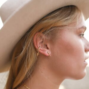 Hanging Cross Earcuff Fafe Collection